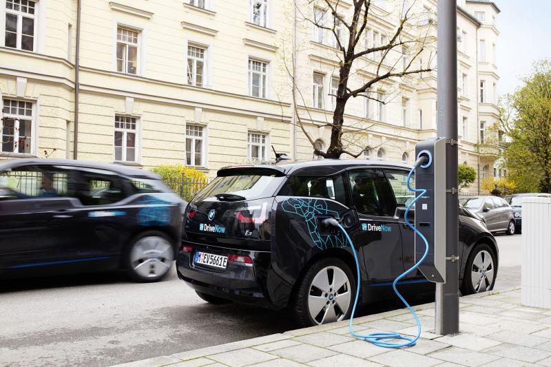 """BMW Group und Stadt München starten Kooperationsprojekt """"Light & Charge"""""""