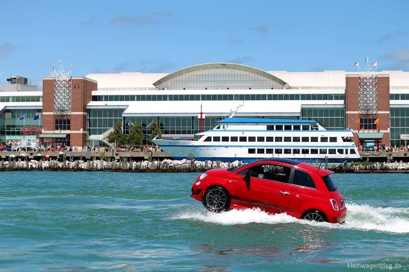 Fiat 500 sorgt als Motorboot für Aufsehen