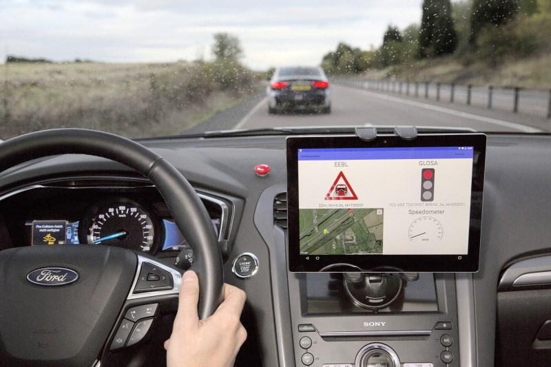 """Ford testet Technologie fürs Autofahren bei """"grüner Welle"""""""