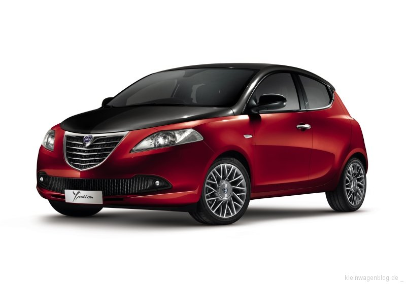 "Lancia Ypsilon ""Black & Red Edition"""