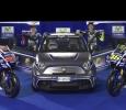 Motorrad-Superstars Valentino Rossi und Jorge Lorenzo fahren Abarth