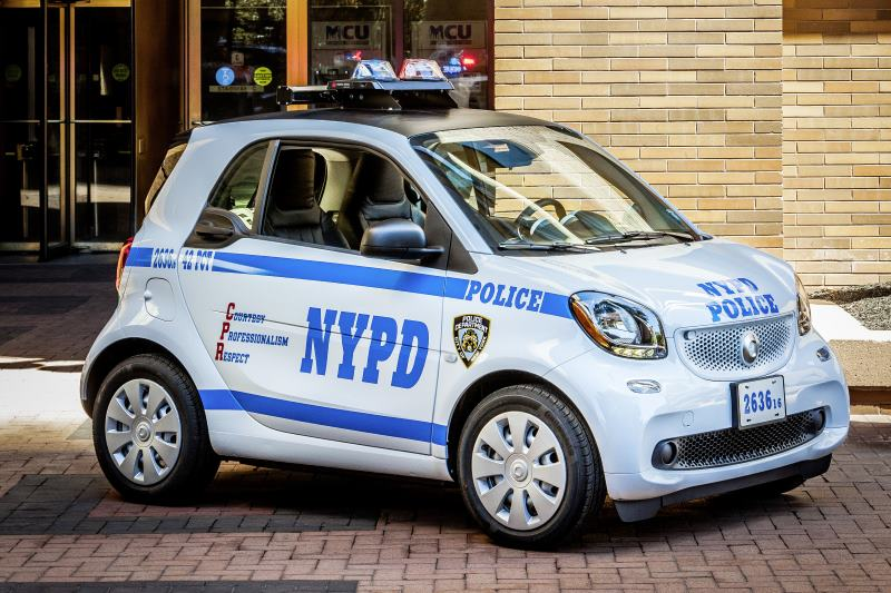 New York City Police Department bestellt 250 smart fortwo: smart forcops