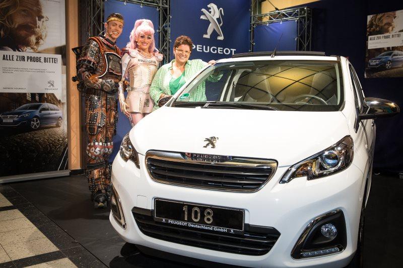 Peugeot versüßt den Musicalbesuch - Starlight Express Theater in Bochum ehrt 16-millionsten Gast