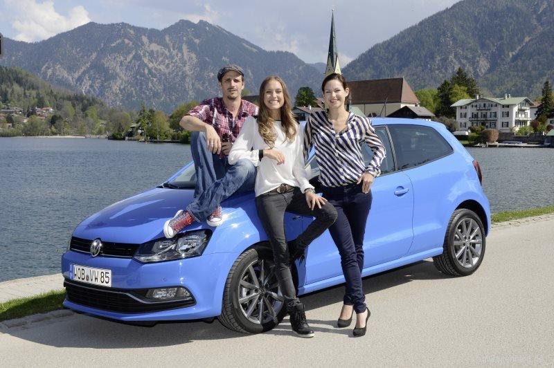 Prominentes Schaulaufen bei der Fahrpremiere des neuen VW Polo und VW CrossPolo