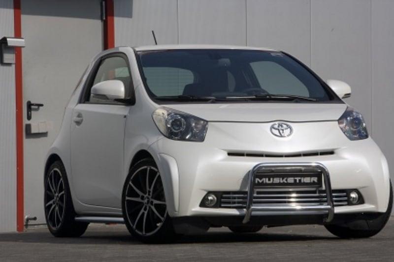 Stadtwagen Toyota IQ im Sportdress von Musketier