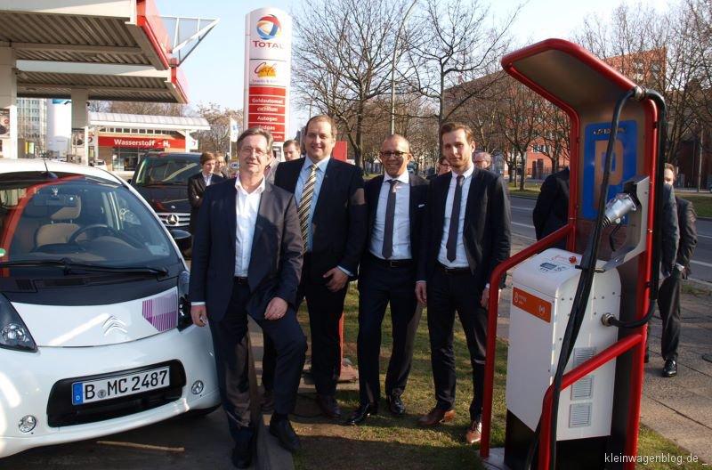 Citroën eröffnet Schnellladestationen an drei Berliner Tankstellen
