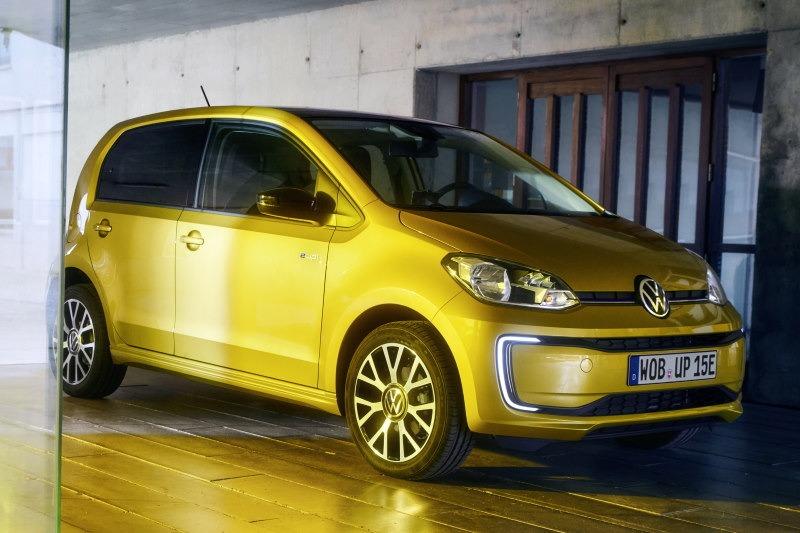 Video: Günstig! Aber sinnvoll? VW e-up! | UNTERWEGS mit Daniel Hohmeyer | Motor1 Deutschland