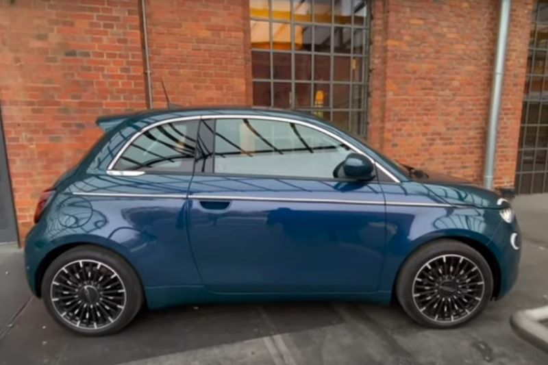 "Fiat 500e ""Icon"" | Das Elektroauto 2021? | Fahrbericht | Reichweite | Laden | Der-Autotester.de"