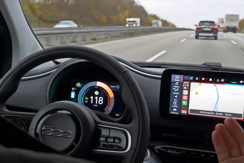 Video: Fiat 500e   Kleines Elektroauto, große Emotionen!   Test   Robin TV Blau • Elektromobilität