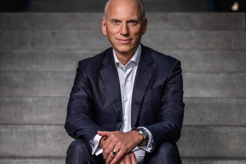 Interview mit Pieter Nota, Mitglied des Vorstands der BMW AG, zur neuen Vertriebs- und Marketingstrategie