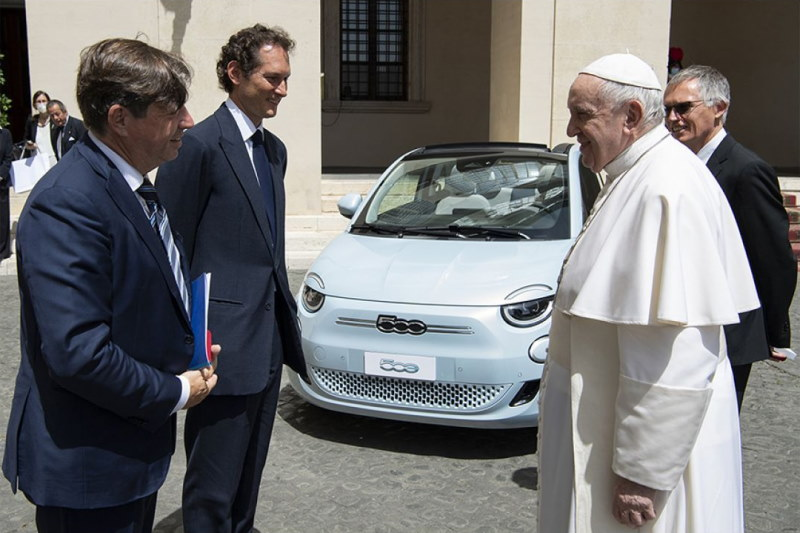 Papst Franziskus gewährt Stellantis eine Audienz