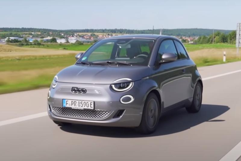 Video: Fiat 500: Ein Auto voller Liebe! | Test | BlackForestDrive