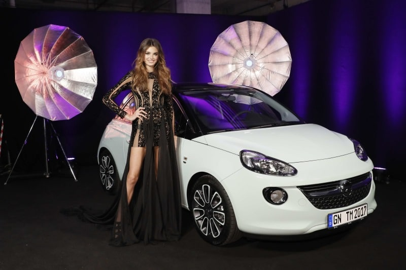 "Opel ADAM geht an ""Germany's next Topmodel""-Siegerin Céline"