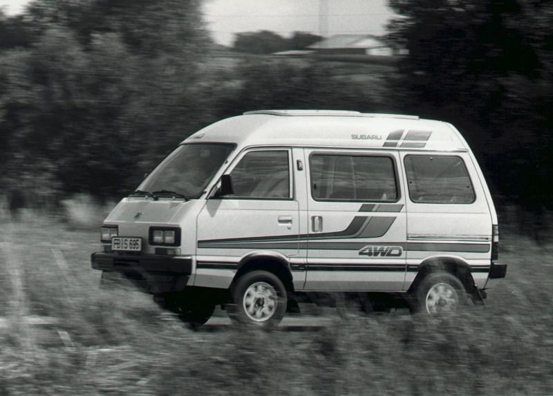 Subaru Libero (1983 – 1998): Außen mini, innen maxi